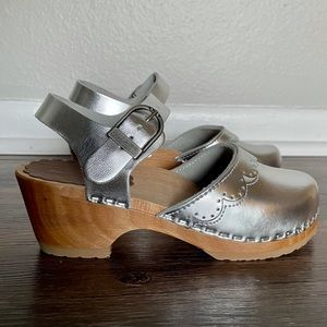 Hanna Andersson Silver Leather Wood Sole Clogs